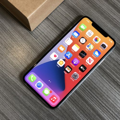 iphone,iphone 11 pro, iphone 11 pro max, iphone 11 pro max white, apple iphone 11 pro max white